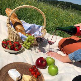 Picknick im Grünen🍷🥖🍀☀️